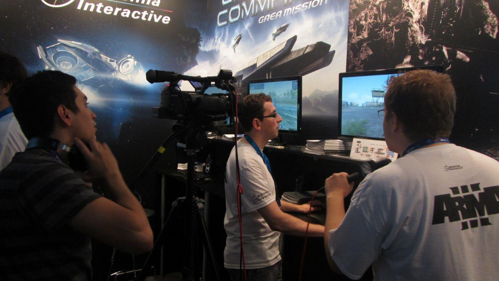 BI stend gamescom 2012 11